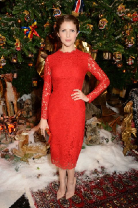 Anna-Kendrick-wore-vibrant-red-dress-Claridge-Hotel-Dolce